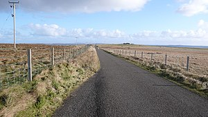English: Road near to Eastbister A long stretc...