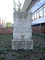 Rostock Stadthalle Sandsteinskulptur4.jpg
