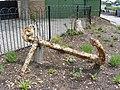 Rusting anchor in Promenade Park Maldon - geograph.org.uk - 1342546.jpg