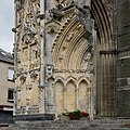 Saint-Lô Église Notre-Dame Éléments survivants du portail de la tour nord 2019 08 19.jpg