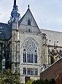 Saint-Quentin Basilique Saint-Quentin Nord-Querschiff.jpg