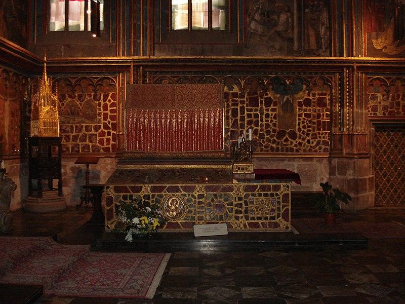 File:Saint Venceslas grave.JPG