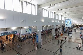 Deputado Luís Eduardo Magalhães International Airport - View of airport check-ins.