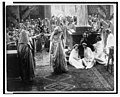 """Scene from the silent film """"The last days of Pompeii"""" showing priests and citizens worshipping a statue LCCN2003675552.jpg"""