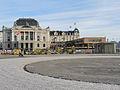 Sechseläutenplatz mit dem neuen Belag für den Umritt im Bereich des 'Böögg-Scheiterhaufens', Ansicht von Bellevue-Theaterstrasse, im Hintergrund 'Archäologie-Pavillion', Opernhaus und Bernhardtheater 2013-04-13 18-05-47 (P7700).JPG