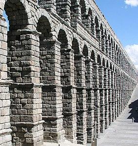 Segovia Acueducto 01.jpg