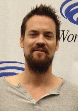 Shane West April 2015 (cropped).jpg