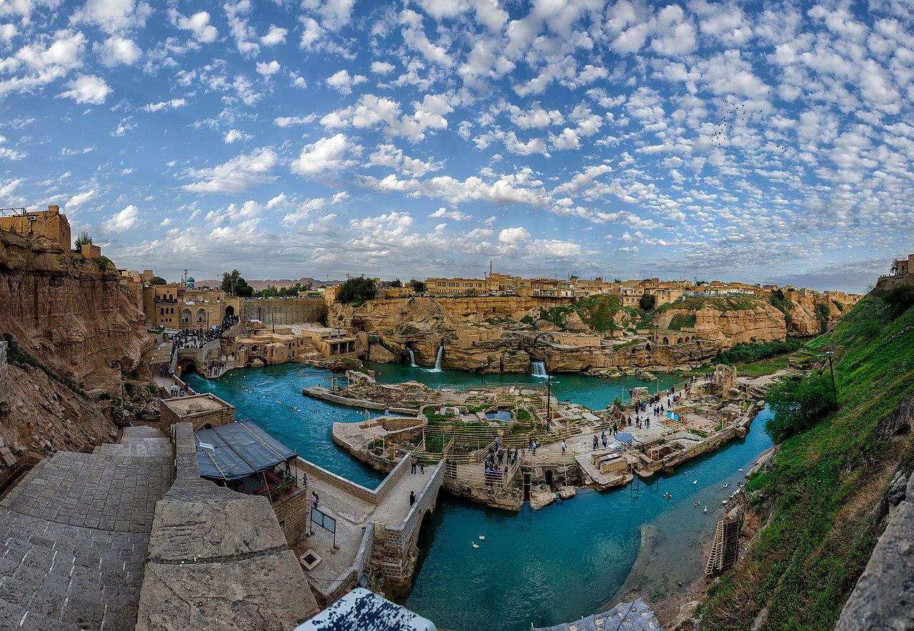 سازه های آبی شوشتر در دوران هخامنشیان تا ساسانیان، جهت بهرهگیری بیشتر از آب ساخته شدهاند.