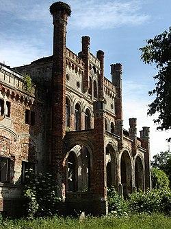 Siedlnica-palace-ruins-update.jpg