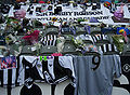 Sir Bobby Robson tributes at SJP pic 5.jpg