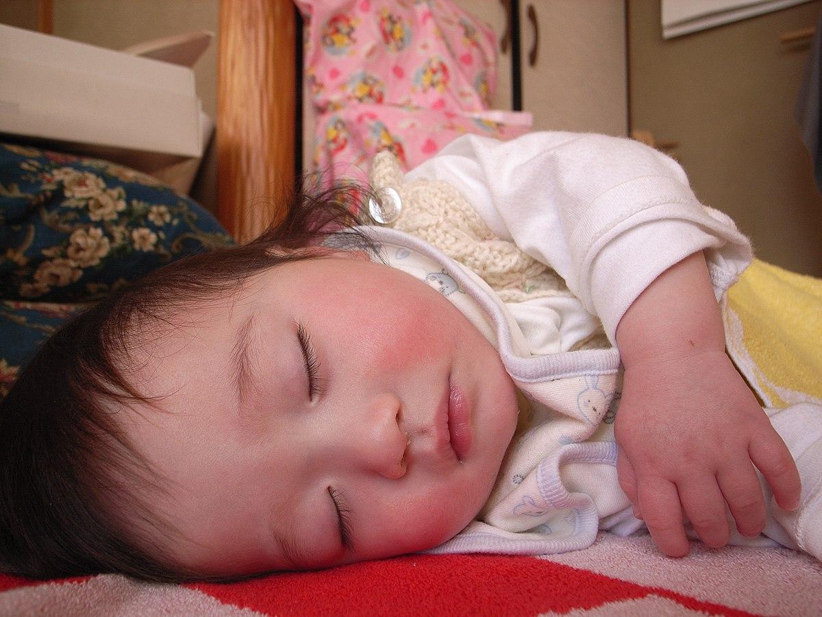 黄疸 いつまで 新生児 新生児っていつまで?【助産師が教える】新生児の特徴と1日の生活┃まなべび