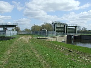 River Little Ouse - The sluice on the right feeds water into the lower river, while that on the left feeds it into the Cut-off Channel.