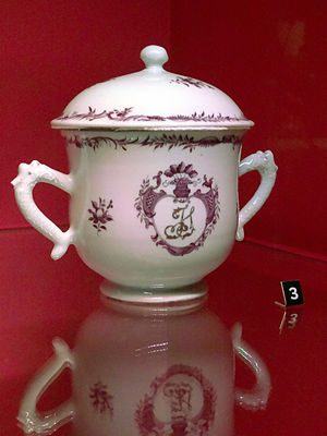Swedish East India Company - Porcelain sugar bowl made in China c. 1770–90, imported by the SOIC, City Museum of Gothenburg