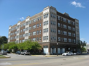 Apartment hotel - An apartment hotel in Hammond, Indiana, USA