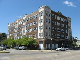 Apartment hotel - An apartment hotel in Hammond, Indiana