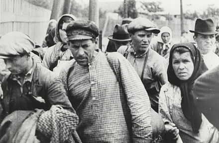 Refugees after the occupation Soviet occupation of Bessarabia and Northern Bukovina 11.jpg