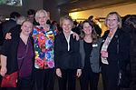 Stadtkulturpreis Hannover 2013 (079) Gil-Maria Koebberling (2. v.r.) bat um Dokumentation der ehrenamtlichen Helferinnen, die zum Gelingen des Abends beitrugen.jpg