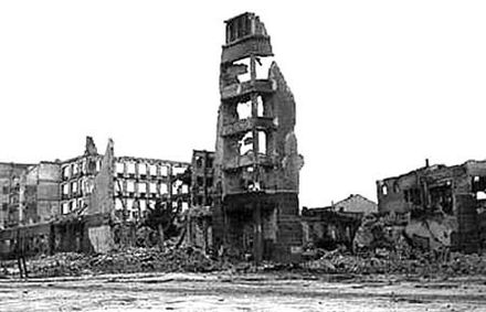 Ruins in Stalingrad, typical of the destruction in many Soviet cities. Stalingrad aftermath.jpg