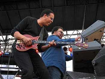 English: description: Bassist Stanley Clarke &...