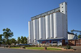 Station and silo, Three Springs, 2013.JPG