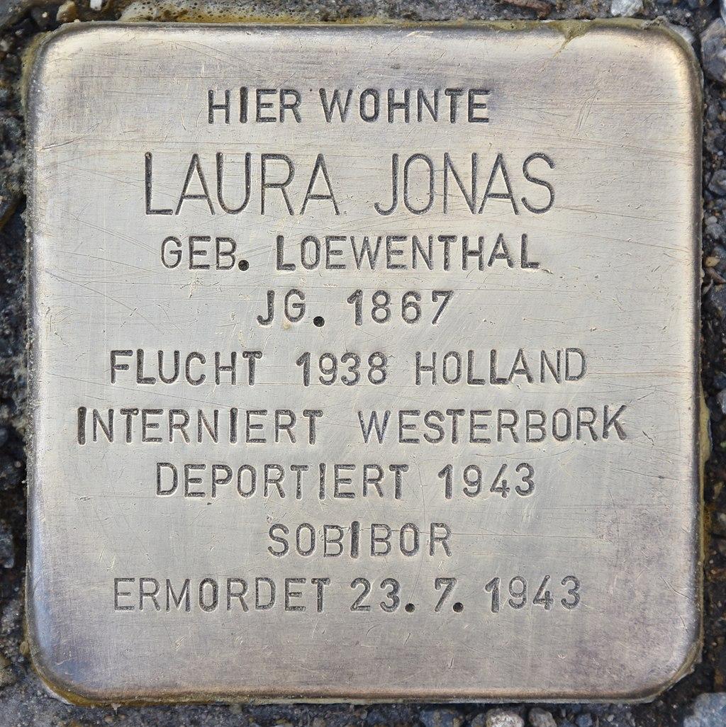 Stolperstein für Laura Jonas.jpg