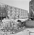 Straat met nieuwbouwwoningen - flats - in de stad Dimona bij de Dode zee. Arbeid, Bestanddeelnr 255-3559.jpg