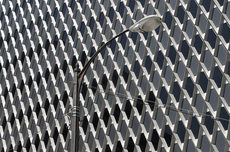 File:Streetlight (Pittsburgh, PA) (4795595393).jpg