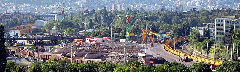 Datei:Stuttgart 21 Baulogistikfläche Nordbahnhof.jpeg