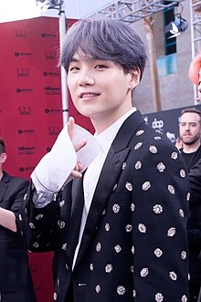 Suga on the Billboard Music Awards red carpet, 1 May 2019 02.jpg