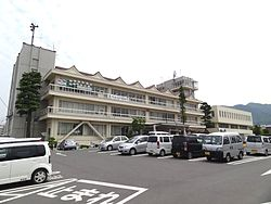 Suzaka city hall.jpg