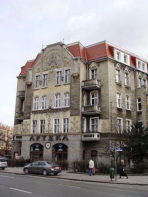 Pharmacy (shop) - Image: Szczecin al Jana Pawla II 42 zabytek