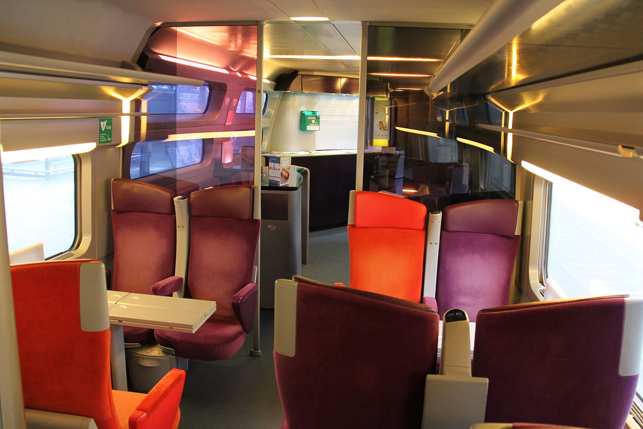 File tgv lacroix bar carriage jpg wikimedia commons for Interieur tgv