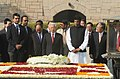 The General Secretary of the Communist Party of the Socialist Republic of Vietnam, Mr. Nguyen Phu Trong laid wreath at the Samadhi of Mahatma Gandhi, at Rajghat, in Delhi on November 20, 2013.jpg