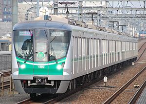 Tokyo Metro Chiyoda Line - Image: Tokyo metro 16000