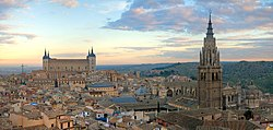 Toledo at sunset — The Alcázar on the left an Cathedral on the richt dominate the skyline