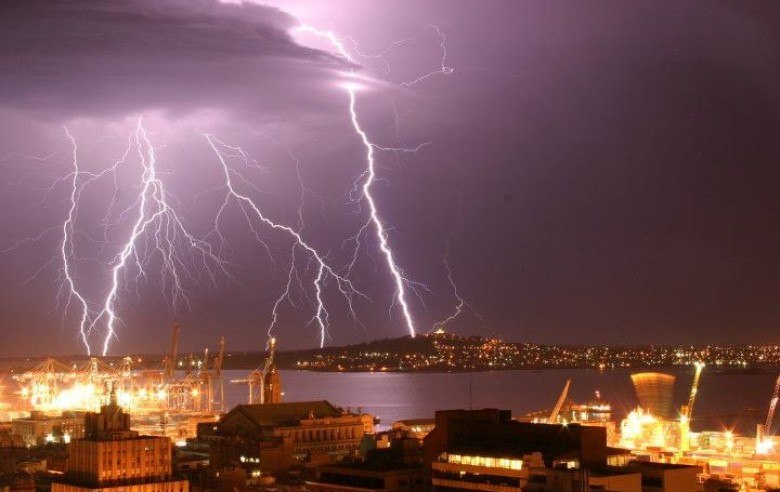 Tormenta electrica sobre Montevideo