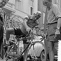Tour de France , in Charleroi, de Nederlandse ploeg. Wim van Est, Bestanddeelnr 908-7400.jpg