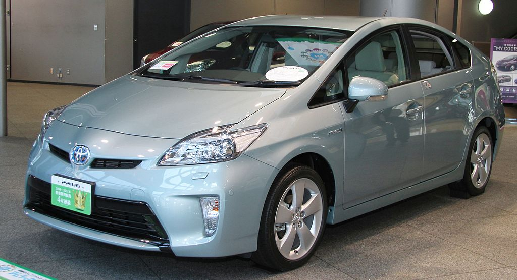 http://upload.wikimedia.org/wikipedia/commons/thumb/2/26/Toyota_Prius_S_%22Touring_Selection%22.jpg/1024px-Toyota_Prius_S_%22Touring_Selection%22.jpg