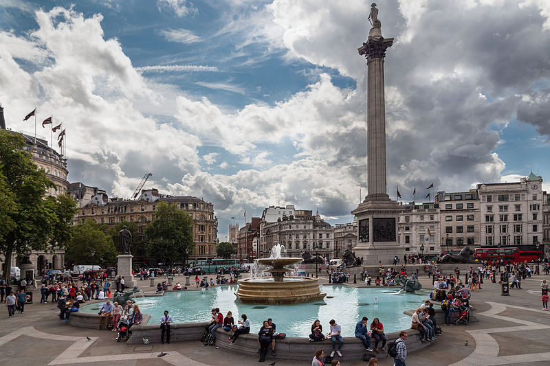 Trafalgar Square by Christian Reimer.jpg