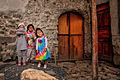 Tres Ninas, Ollantaytambo, Peru (7117438783).jpg