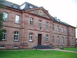 Trippstadt Schloss Frontseite.JPG