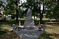 Trnova Plzen pomnik na navsi.jpg