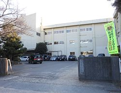 Tsu city Nanko Lower Secondary School 01.jpg