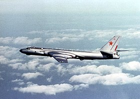 Un Tu-16 Badger en vol