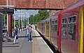 Twickenham railway station MMB 01 455723.jpg