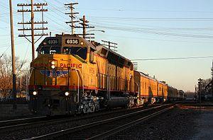 Union Pacific 6936 - Image: UP 6936 EMD DDA40X