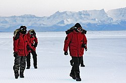US Air Force 070820-F-2034C-073 Operation Deep Freeze 2007-08 begins.jpg