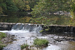 Unami Creek near Sutch Road Bridge 02.JPG