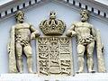 Universität Greifswald Hauptgebäude Nordseite Preußisches Wappen.JPG