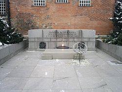 Unknown-soldier-monument.jpg